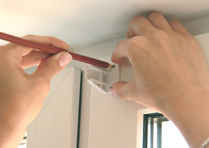 инструкция по монтажу рулонных штор серии мини - фото 7